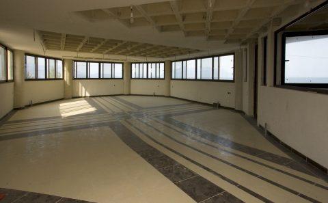 Φωτογραφία της αίθουσας προς ανακαίνιση